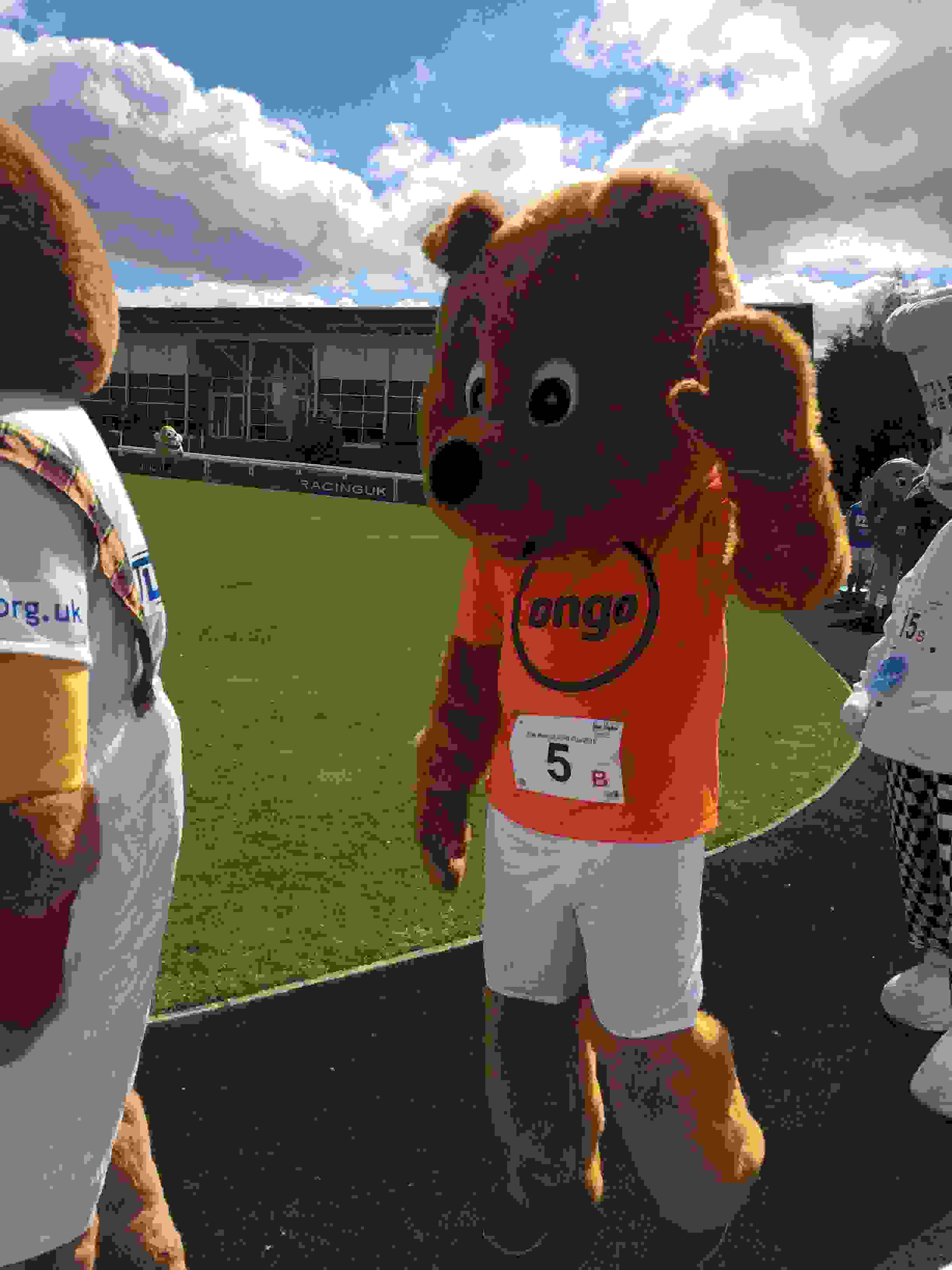 Mascot Gold Cup Weatherby races! 2.JPG